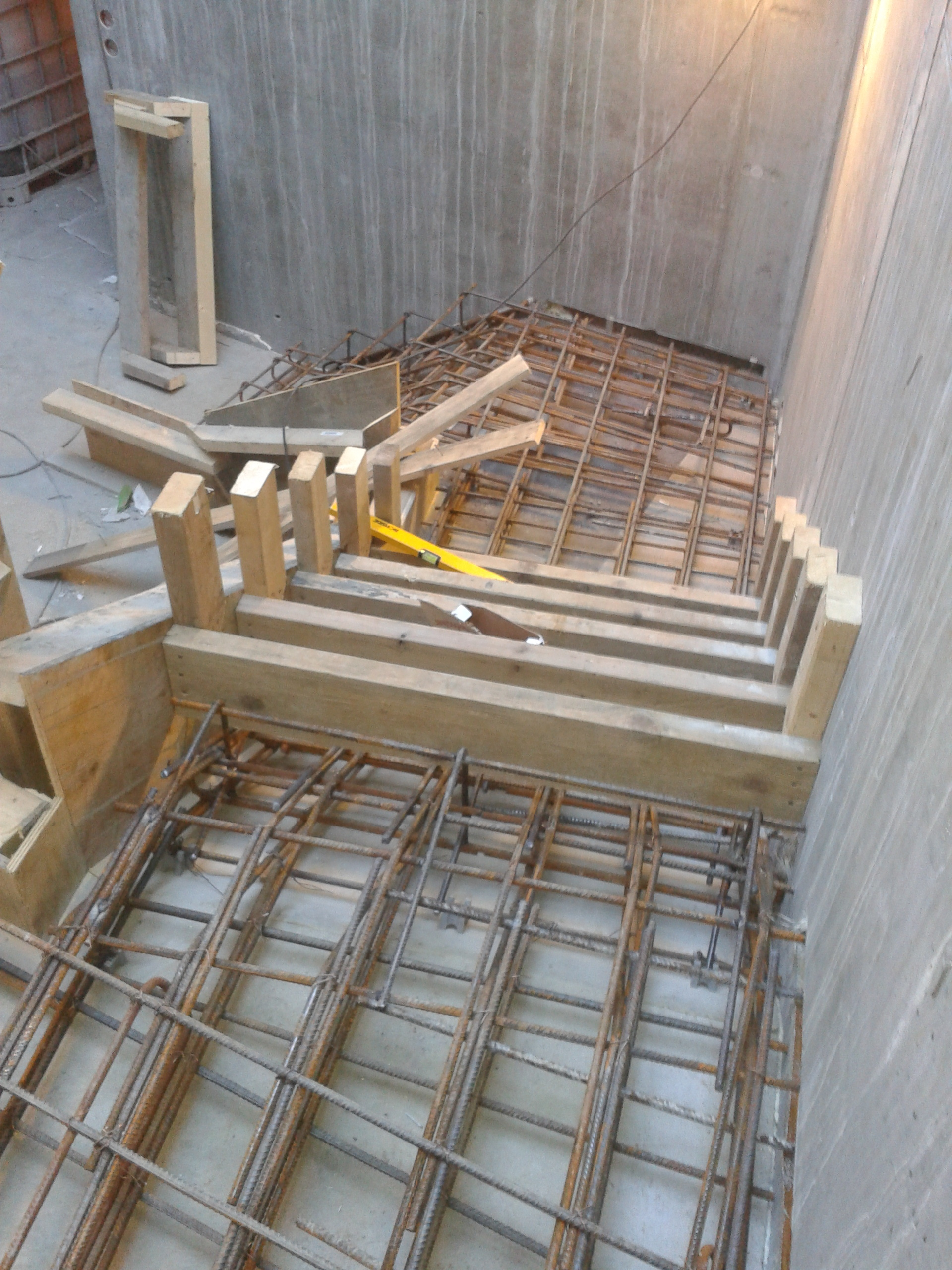 Stairwell - Stairwells are the type of stairs that requires most work, because u have to make the formwork for the underside, but in my mind it is the most fun stair to make.