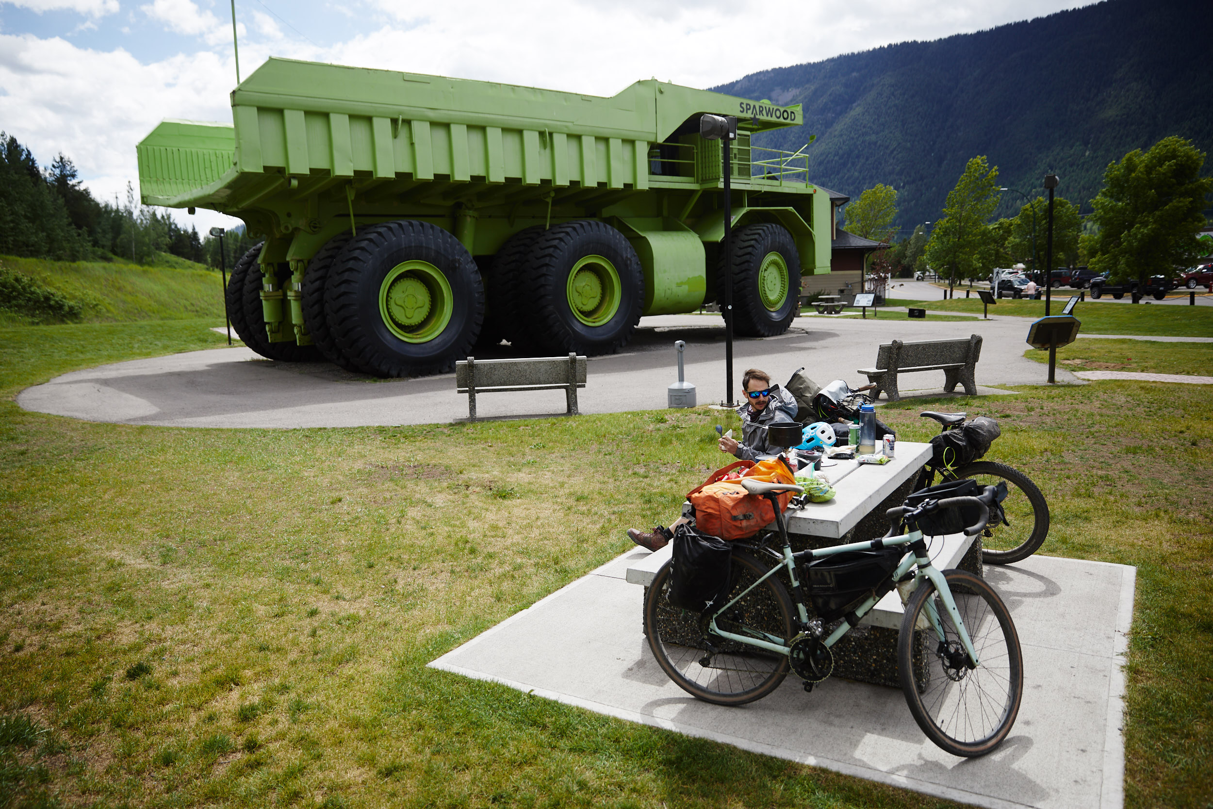 A quick lunch break at the famous dump truck in Sparwood.