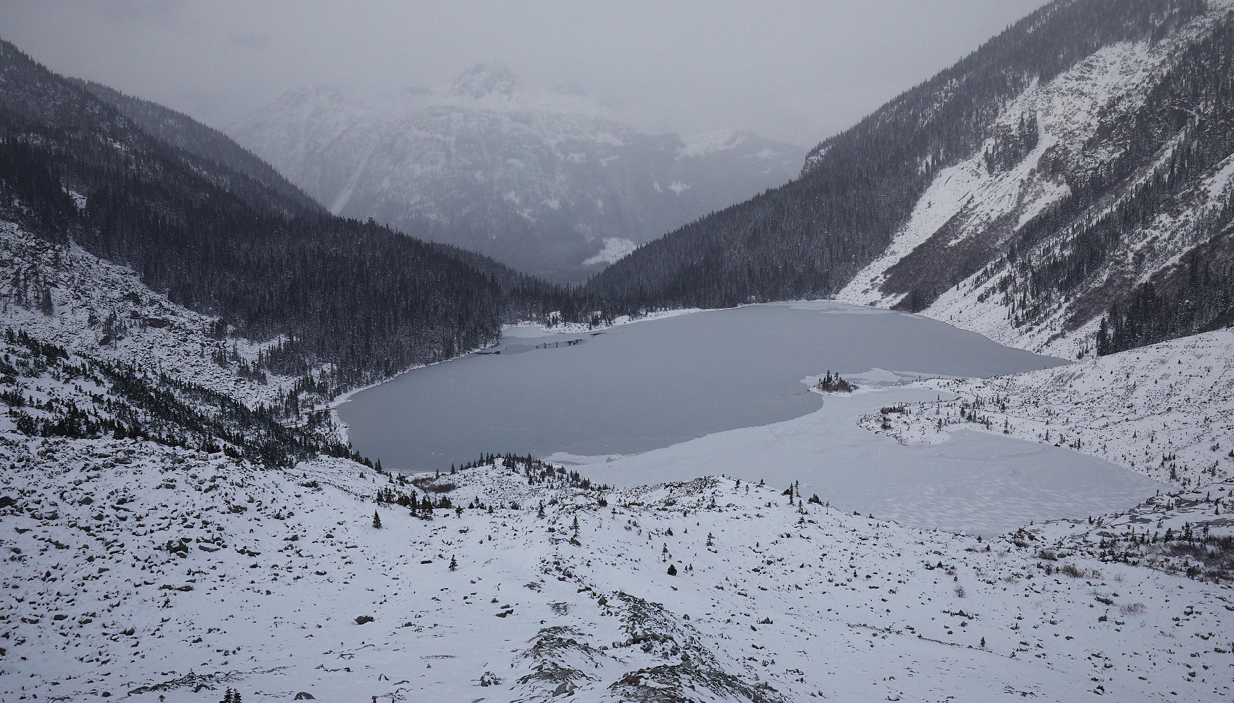 Joffre Lakes Winter 15.jpg