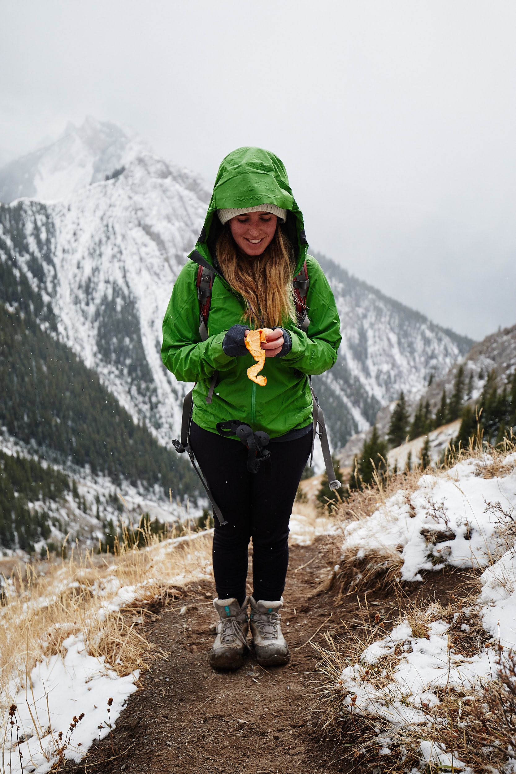 As neared the top we stopped for a quick snack as some heavy snow began to fall.