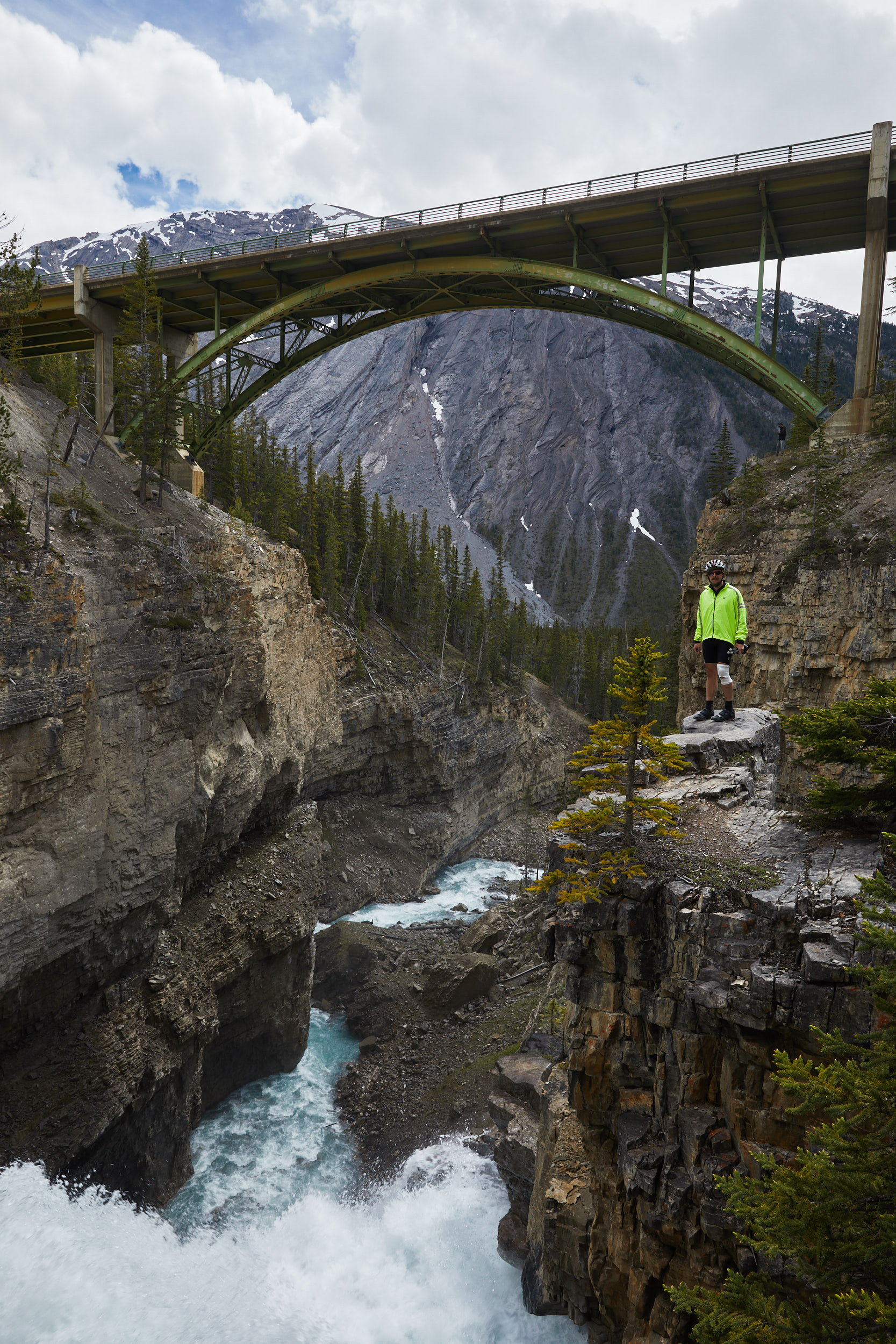 Icefields Parkway Cycle Tour - Lake Louise to Jasper 40.jpg