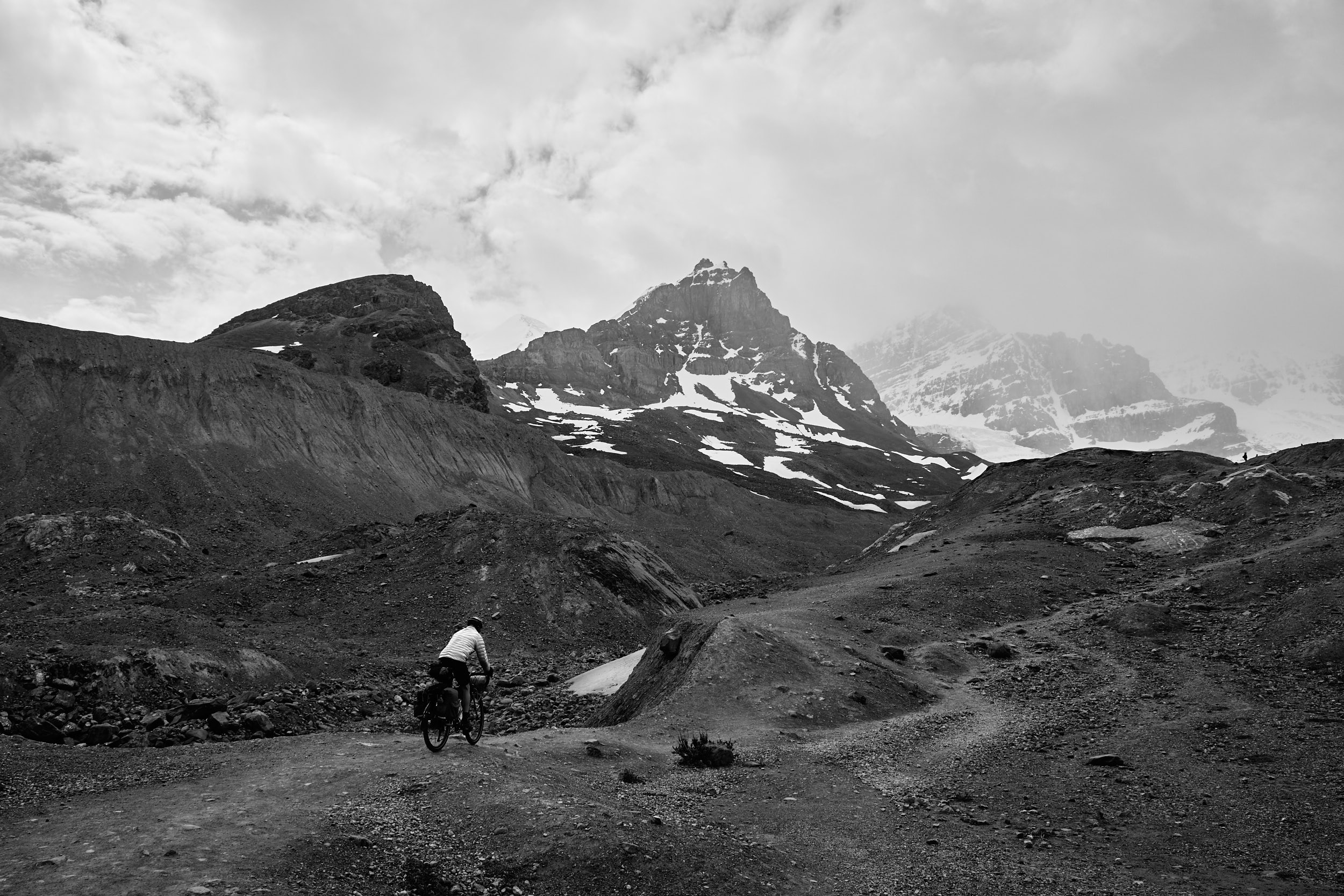 Icefields Parkway Cycle Tour - Lake Louise to Jasper 58.jpg