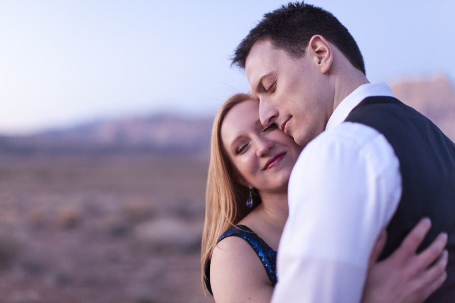 Wedding-Couple-at-Red-Rocks.jpg
