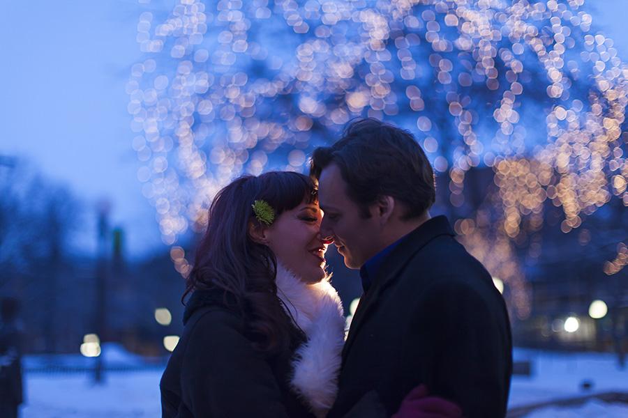 Rice-park-Winter-Engagement.jpg