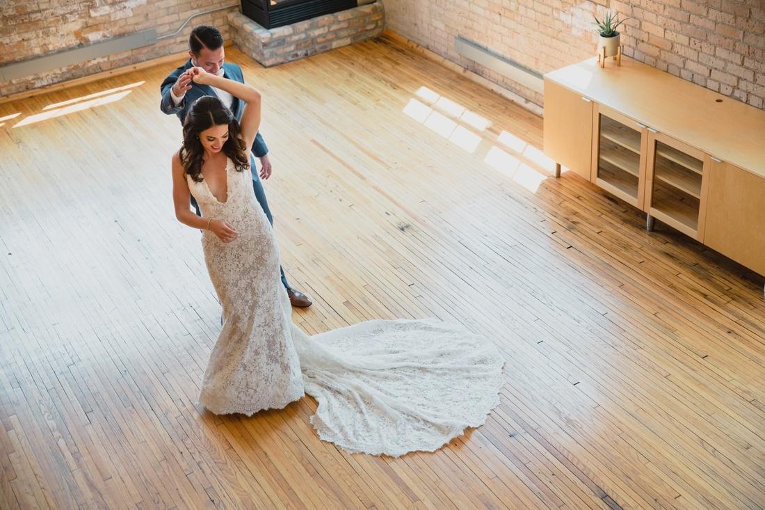 07_Minneapolis_Wedding_photographers-1100x733.jpg