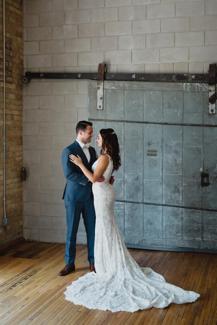 10_Minneapolis_Wedding_photographers-736x1100.jpg
