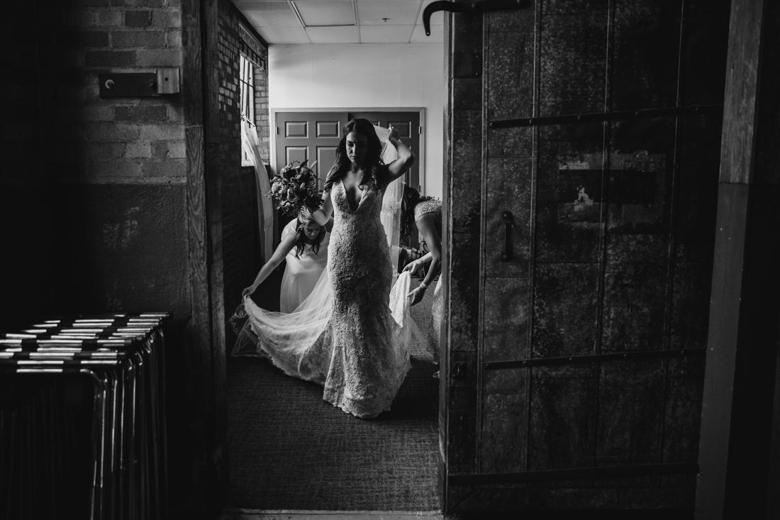 33_Minneapolis_Wedding_photographers-1100x733.jpg