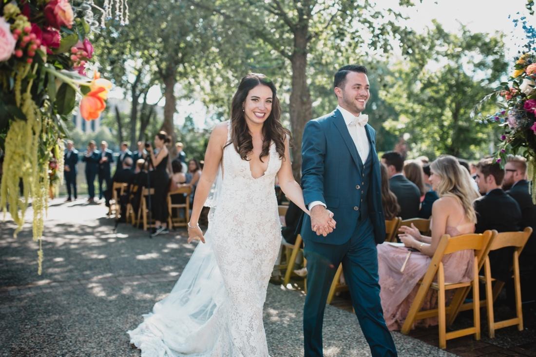 43_Minneapolis_Wedding_photographers-1100x733.jpg