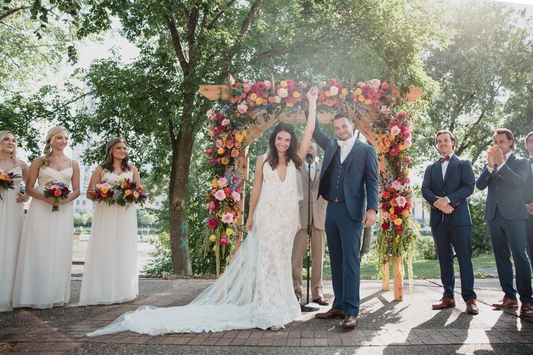 42_Minneapolis_Wedding_photographers-1100x733.jpg