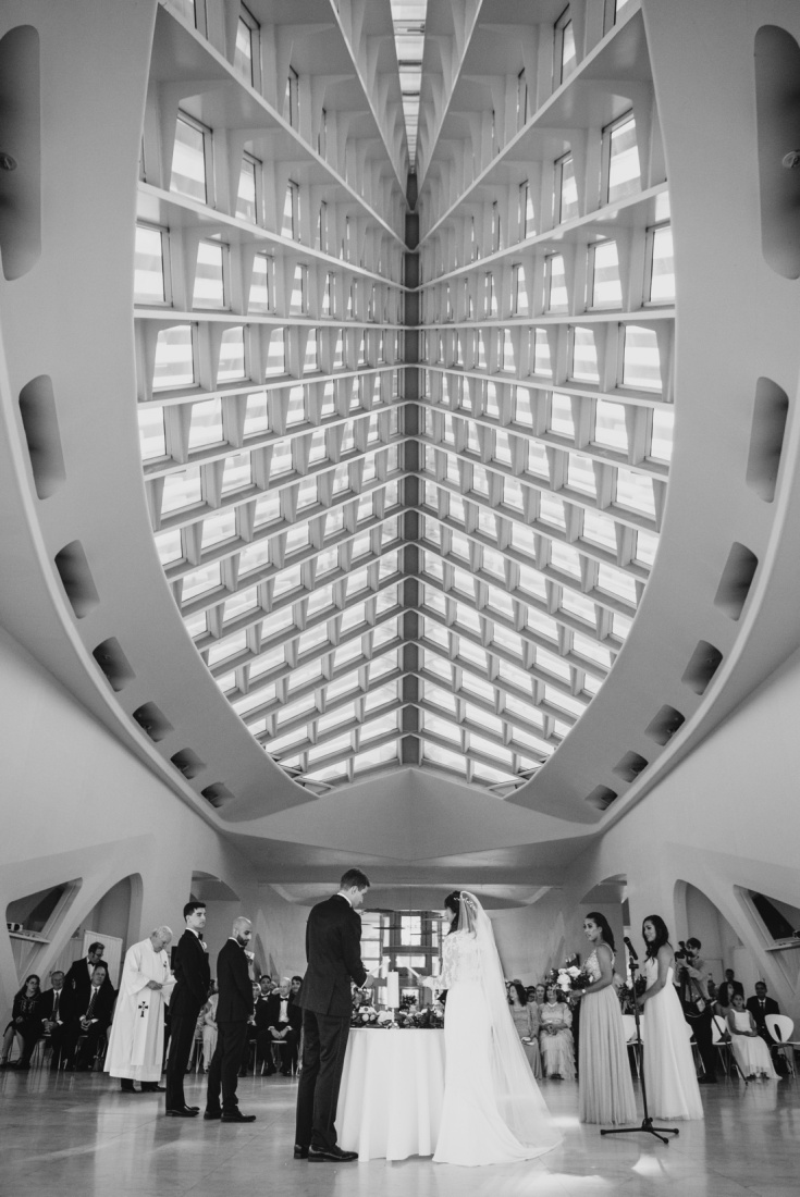 21_Milwaukee-Art-Museum-Wedding-735x1100.jpg