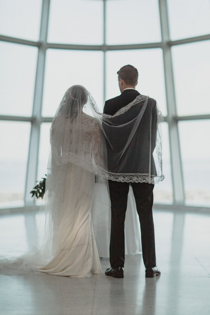 24_Milwaukee-Art-Museum-Wedding-736x1100.jpg