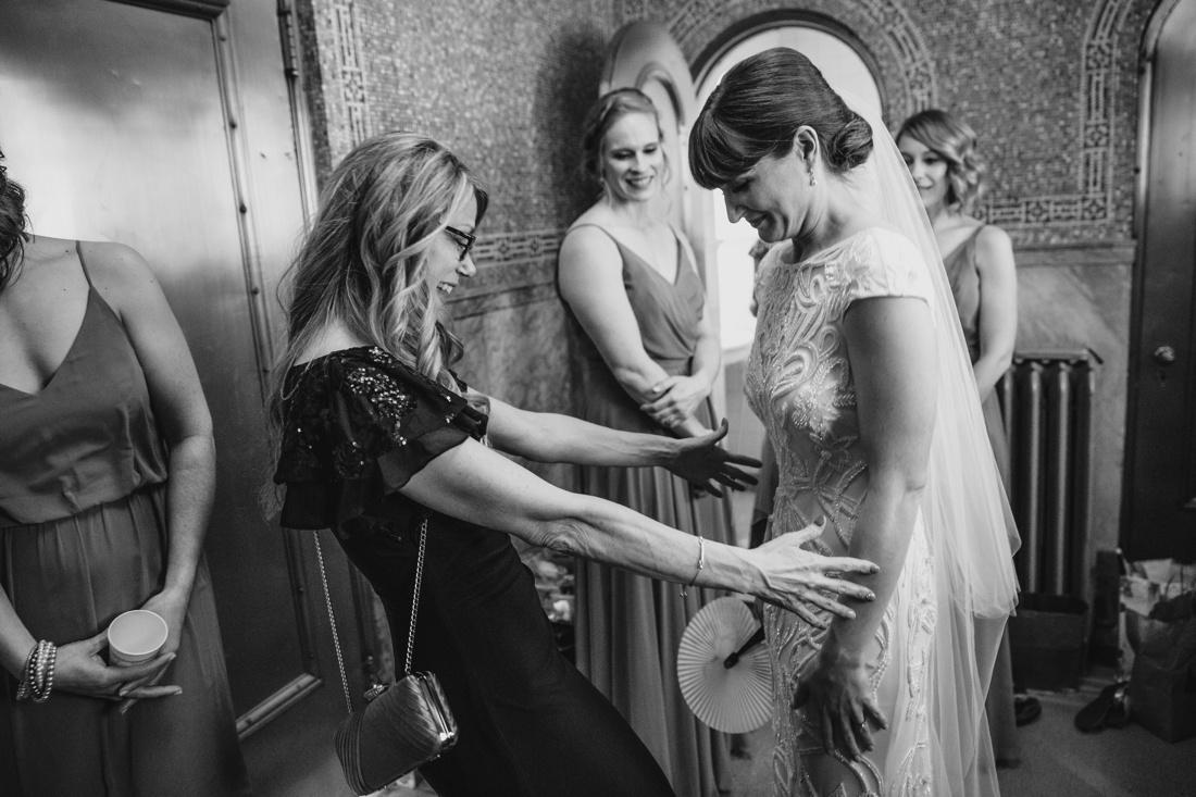 23_Minneapolis_Wedding_photographers-1100x733.jpg