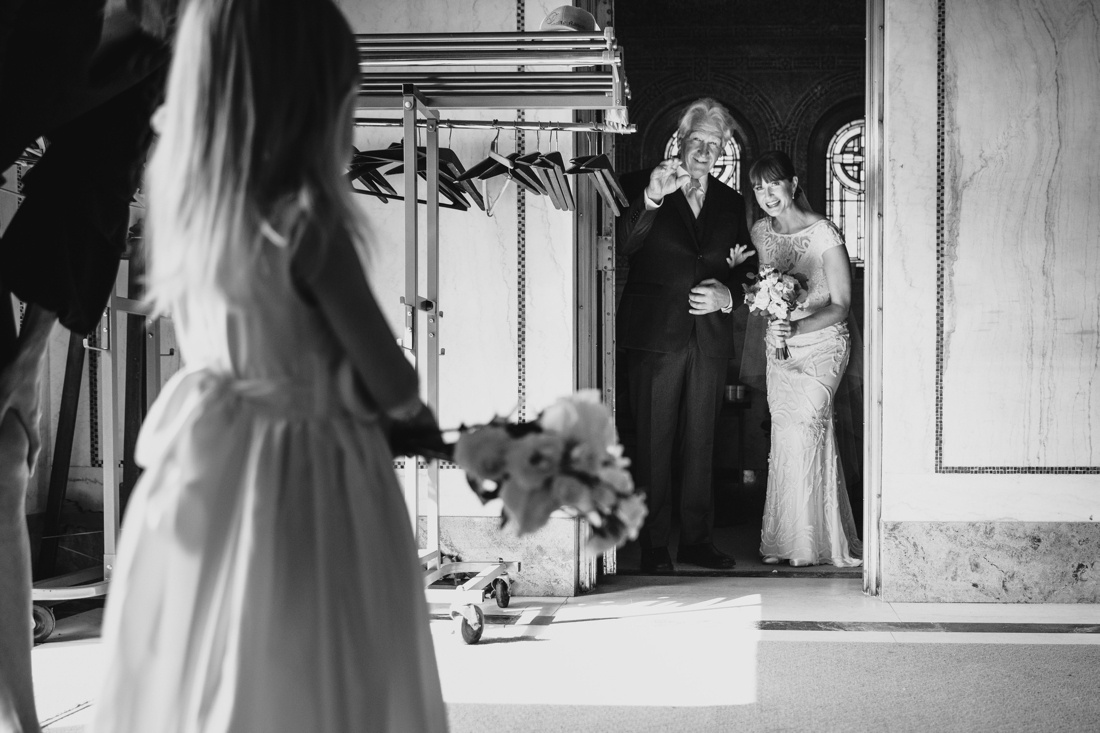 26_Minneapolis_Wedding_photographers-1100x733.jpg