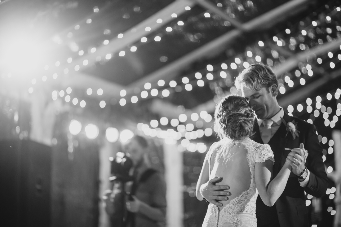 53_Minneapolis_Private_residence-Wedding_photos-1100x733.jpg