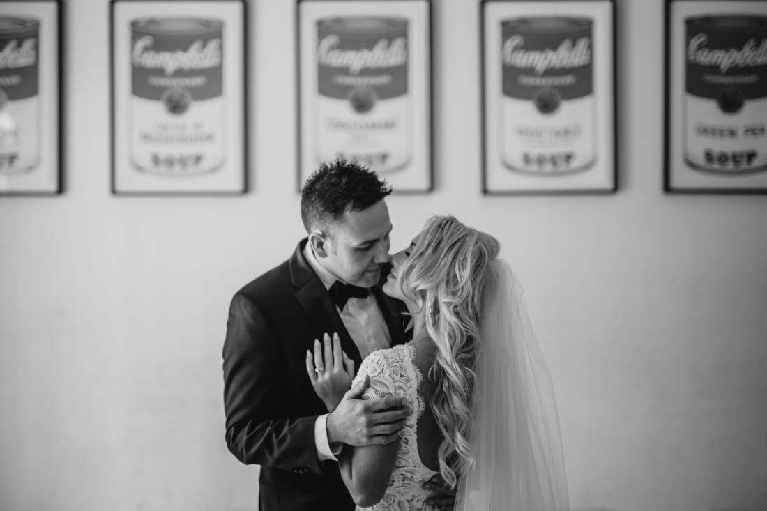 12_Minneapolis_aria_wedding_photography-1100x733.jpg