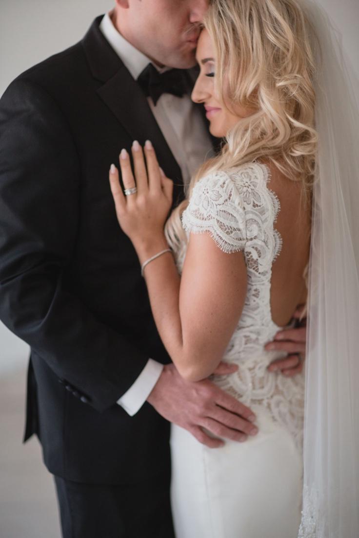 13_Minneapolis_aria_wedding_photography-736x1100.jpg