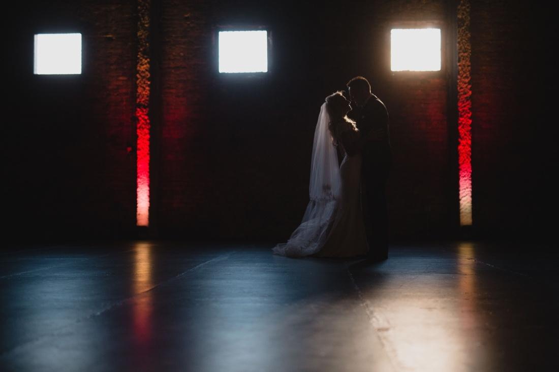 20_Minneapolis_aria_wedding_photography-1100x733.jpg