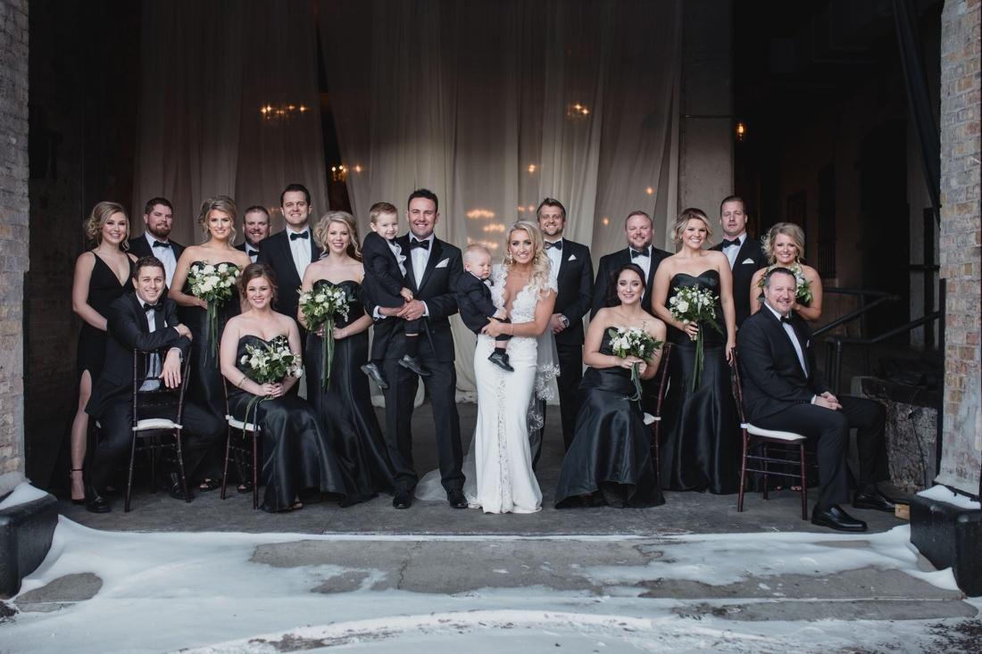 26_Minneapolis_aria_wedding_photography-1100x733.jpg