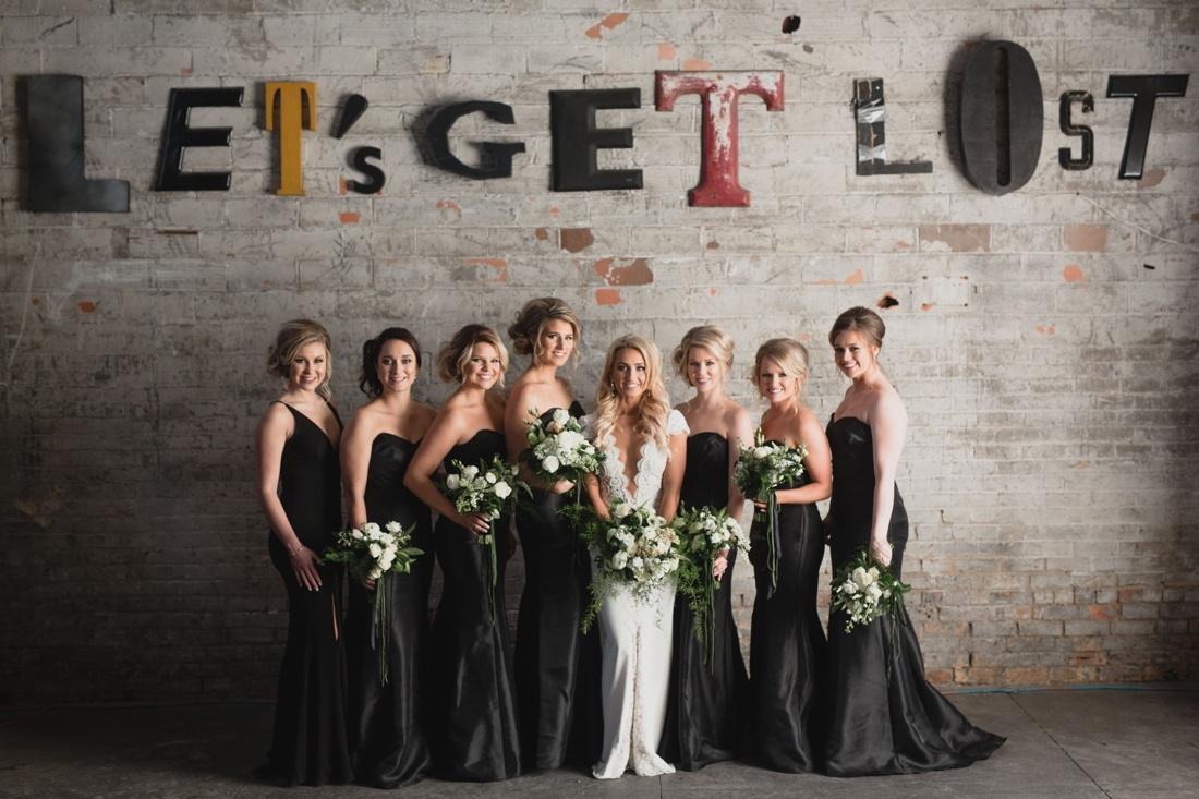 27_Minneapolis_aria_wedding_photography-1100x733.jpg