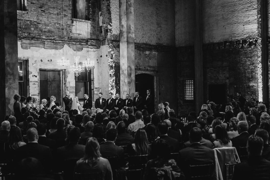 34_Minneapolis_aria_wedding_photography-1100x733.jpg