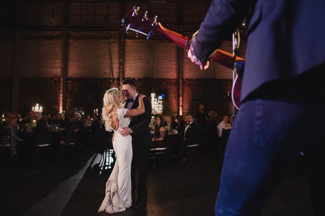 44_Minneapolis_aria_wedding_photography-1100x732.jpg