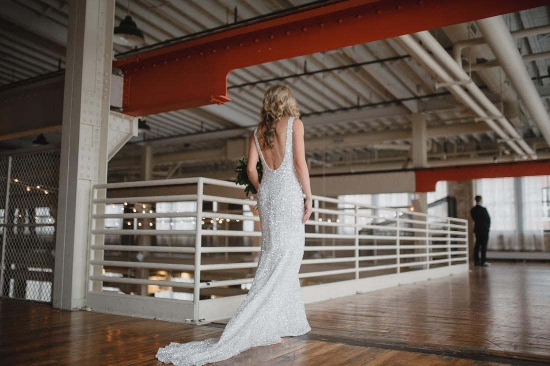 06_Minneapolis_Machine_Shop_Wedding-1100x733.jpg
