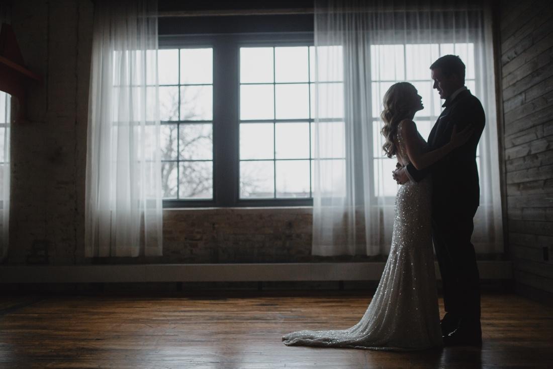 11_Minneapolis_Machine_Shop_Wedding-1100x733.jpg