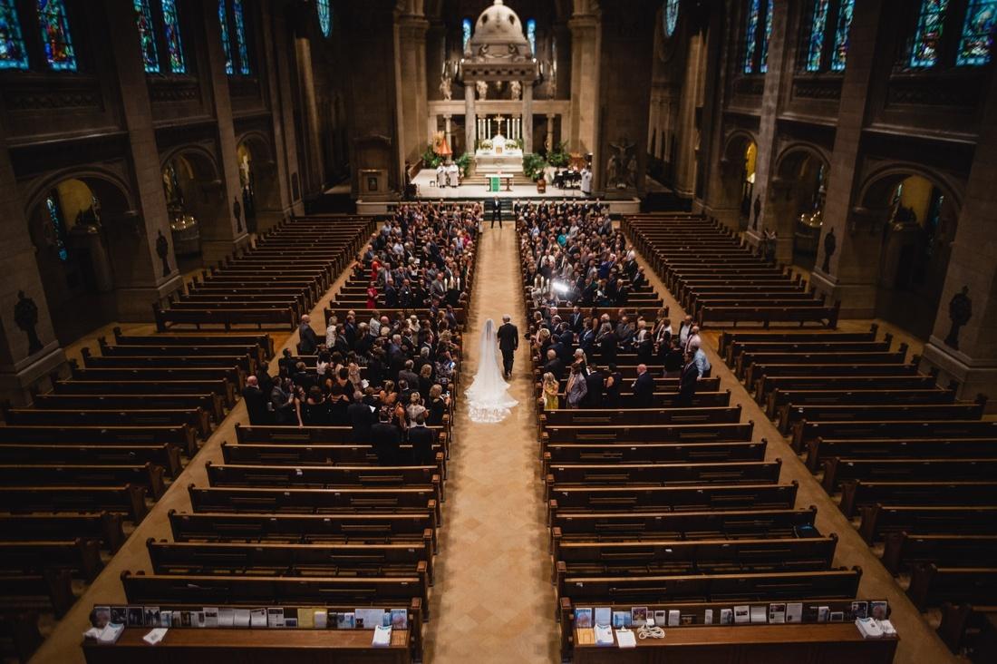 031_Minneapolis_Basilica_wedding-1100x732.jpg