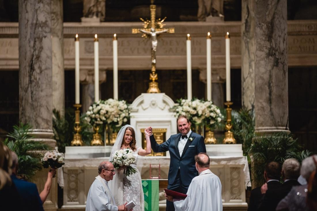 034_Minneapolis_Basilica_wedding-1100x733.jpg