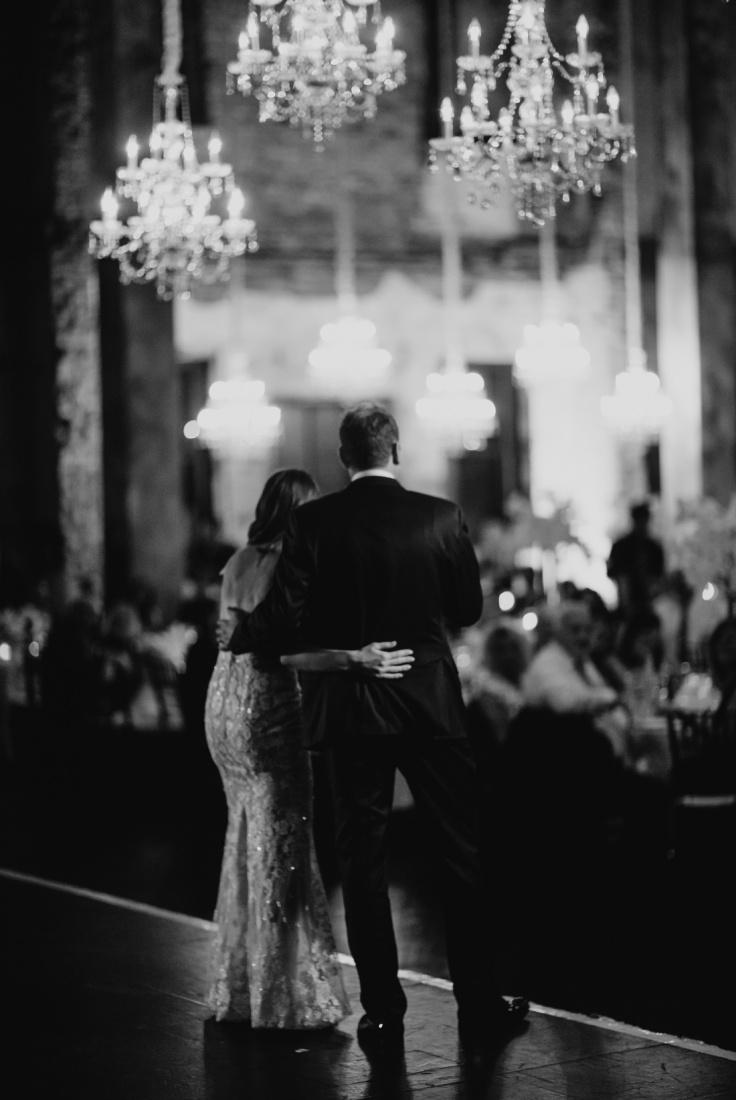 049_Minneapolis_Basilica_wedding-736x1100.jpg