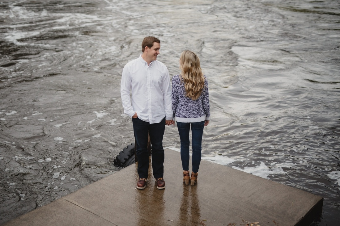07_minneapolis_fall_engagement_Session-1100x732.jpg