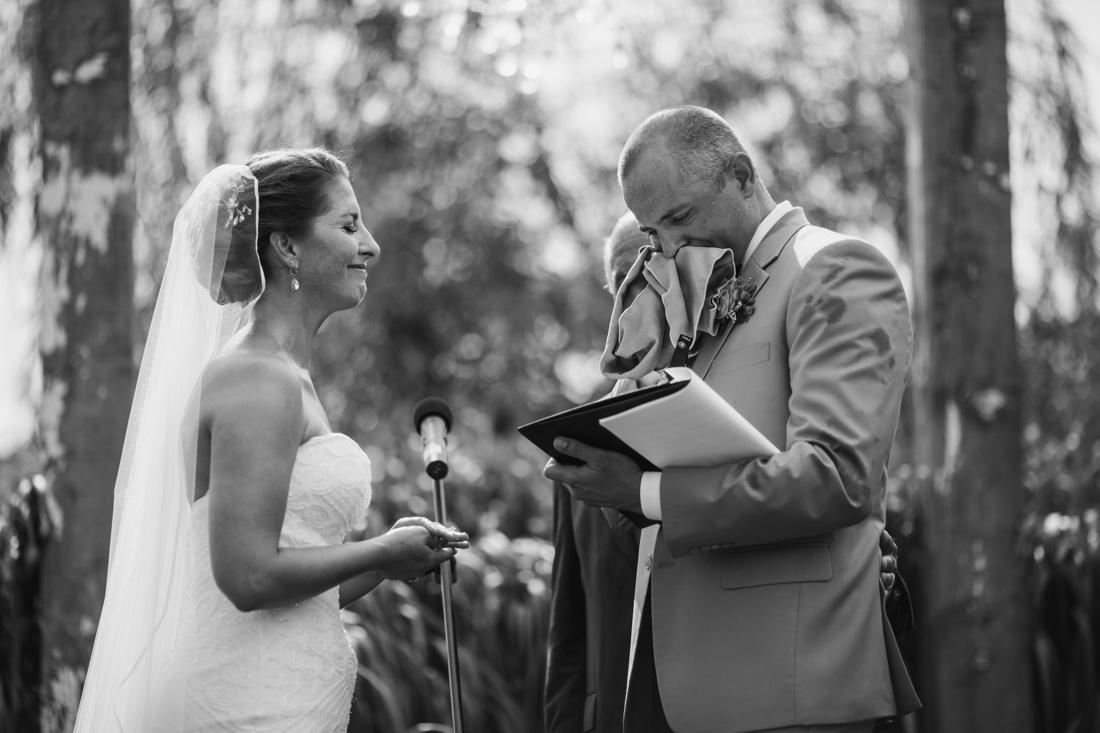 15_Minneapolis_wedding_Photographer_Barn_Wedding-1100x733.jpg