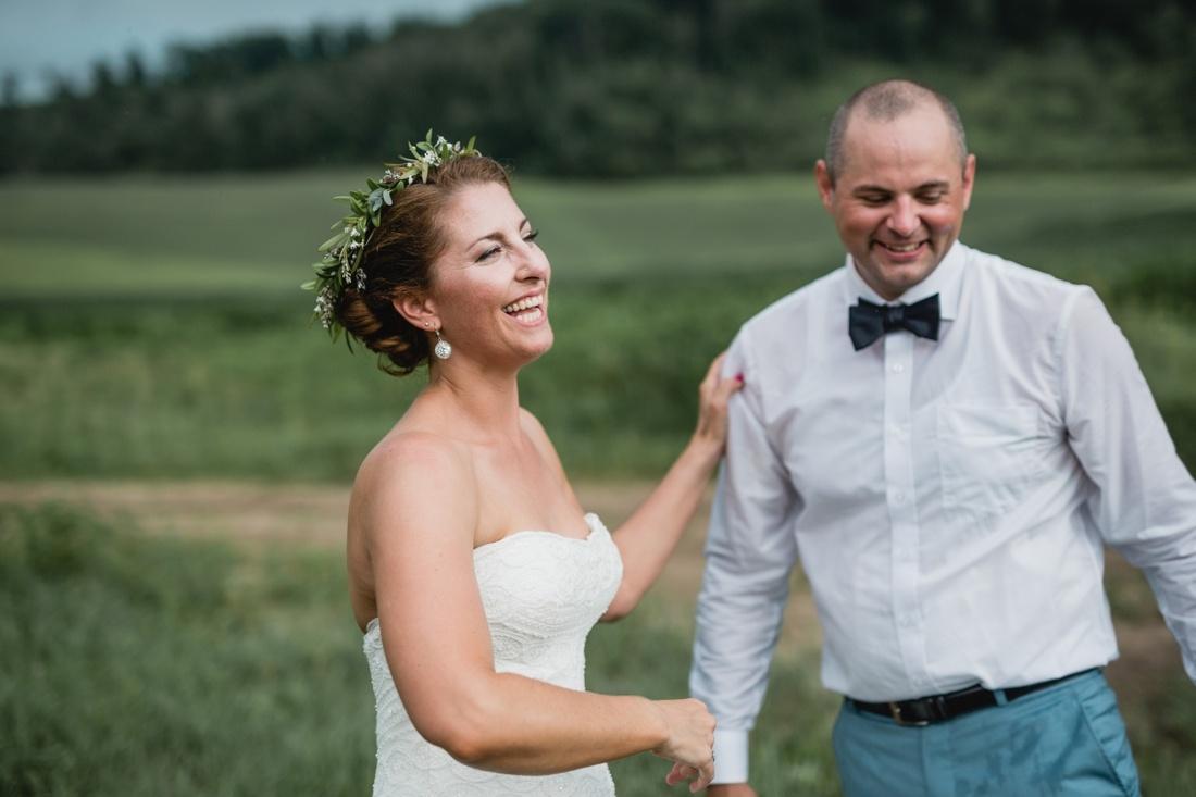 19_Minneapolis_wedding_Photographer_Barn_Wedding-1100x733.jpg