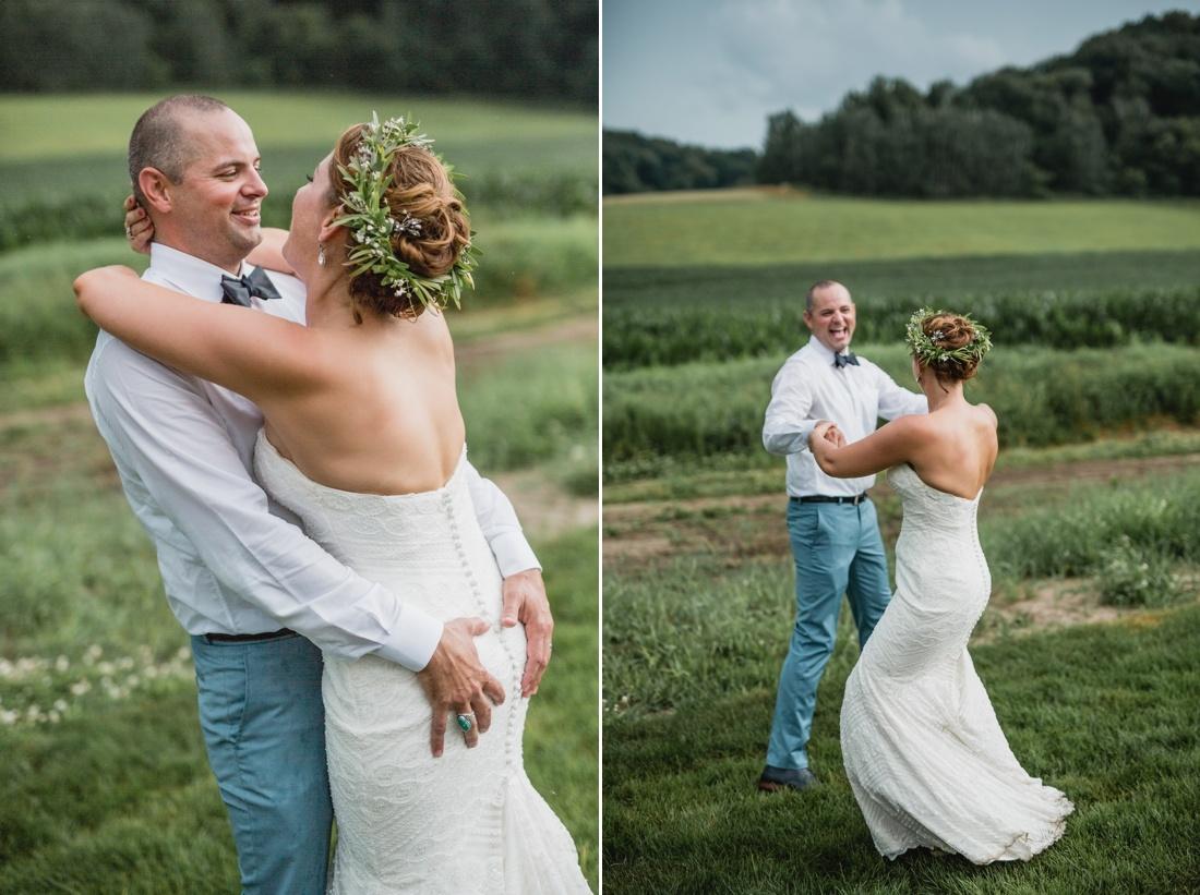20_Minneapolis_wedding_Photographer_Barn_Wedding-1100x821.jpg