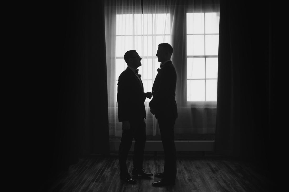 18_Minneapolis_Machine_Shop_Wedding-1100x733.jpg