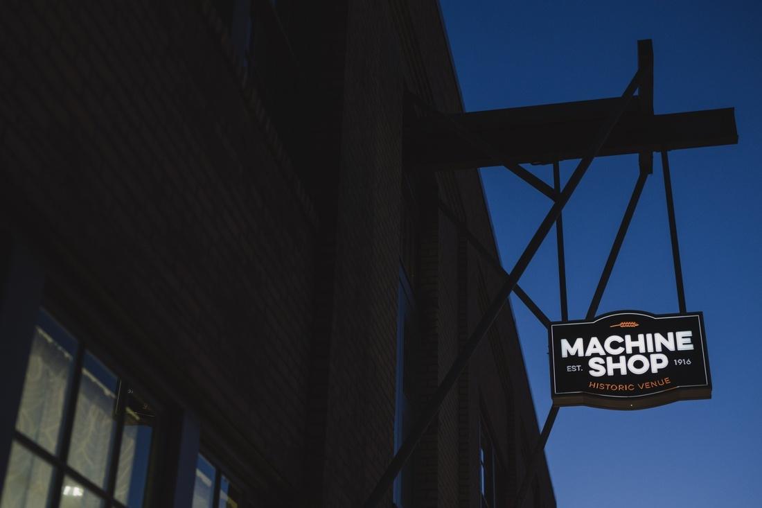 40_Minneapolis_Machine_Shop_Wedding-1100x733.jpg