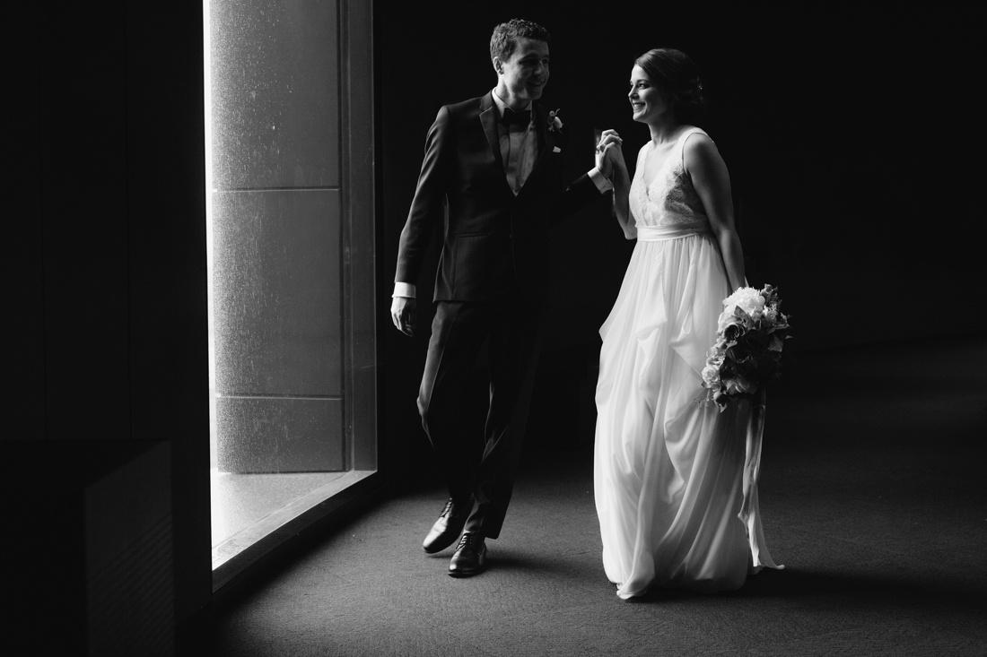 14_Minneapolis_event_center_wedding_photos-1100x733.jpg