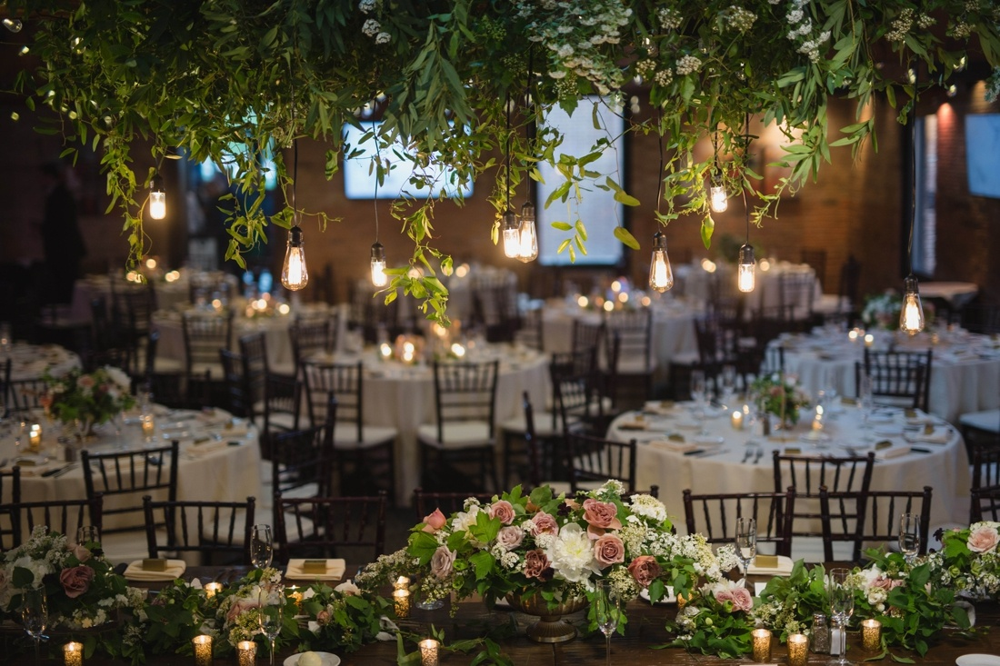 26_Minneapolis_event_center_wedding_photos-1100x733.jpg