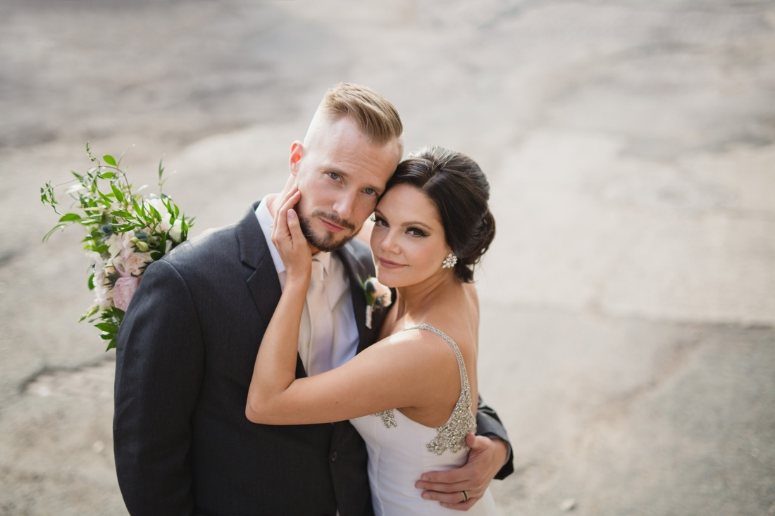 036_Minneapolis_Aria_wedding_photos-1100x733.jpg