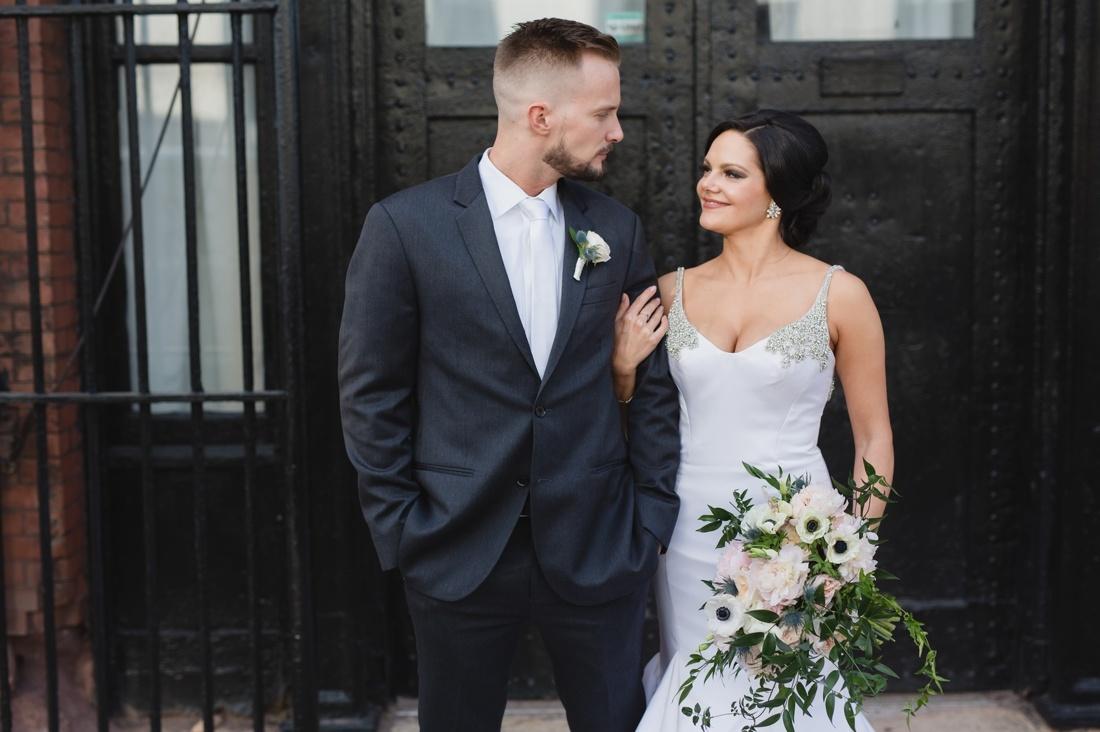 037_Minneapolis_Aria_wedding_photos-1100x732.jpg
