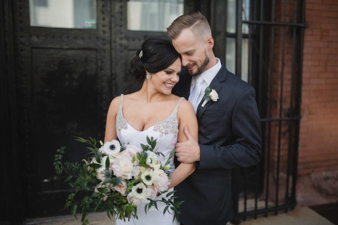038_Minneapolis_Aria_wedding_photos-1100x733.jpg