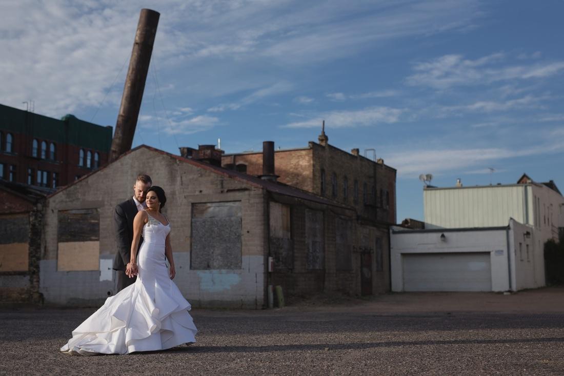 039_Minneapolis_Aria_wedding_photos-1100x733.jpg