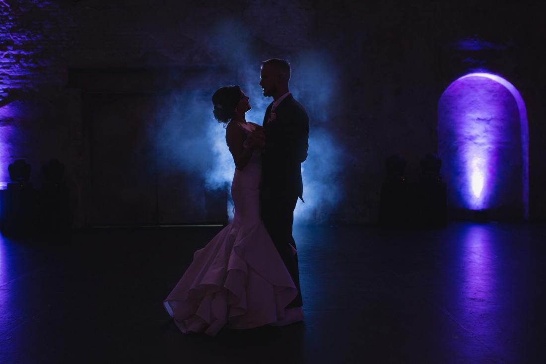 053_Minneapolis_Aria_wedding_photos-1100x733.jpg