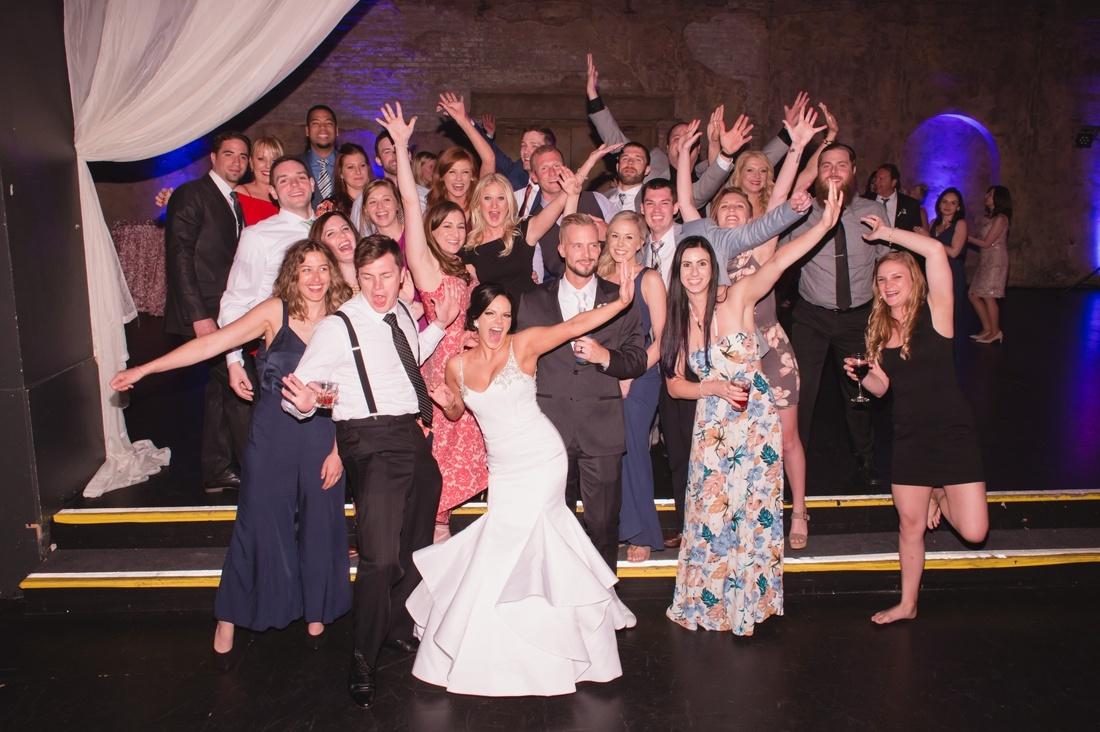 056_Minneapolis_Aria_wedding_photos-1100x732.jpg