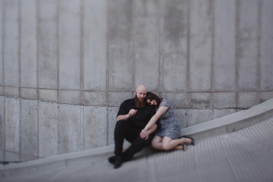 14_Minneapolis_Engagement_Photos-9-1100x733.jpg