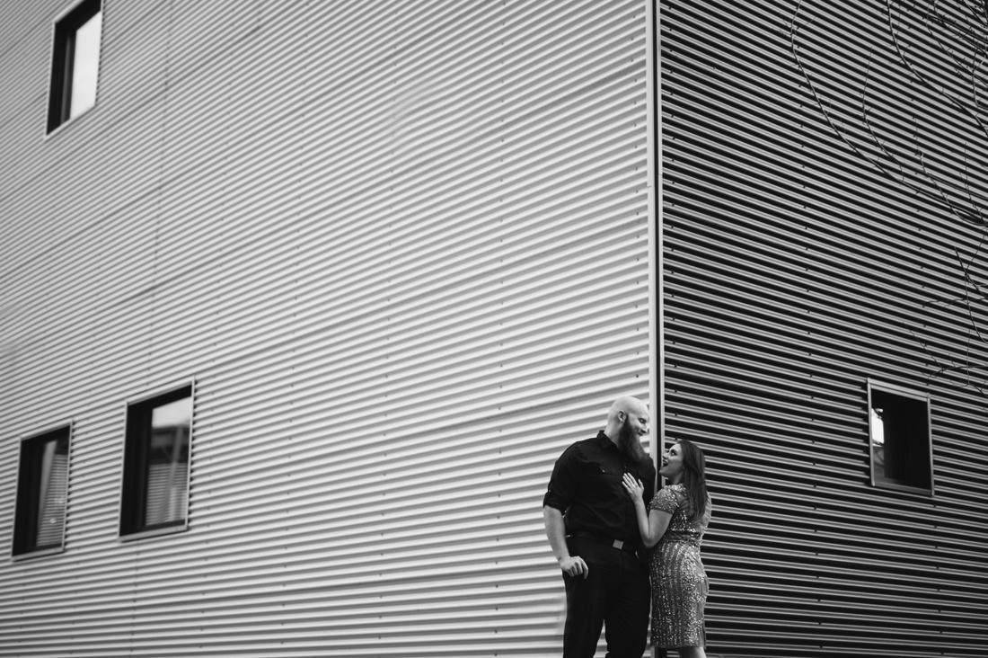 13_Minneapolis_Engagement_Photos-11-1100x732.jpg