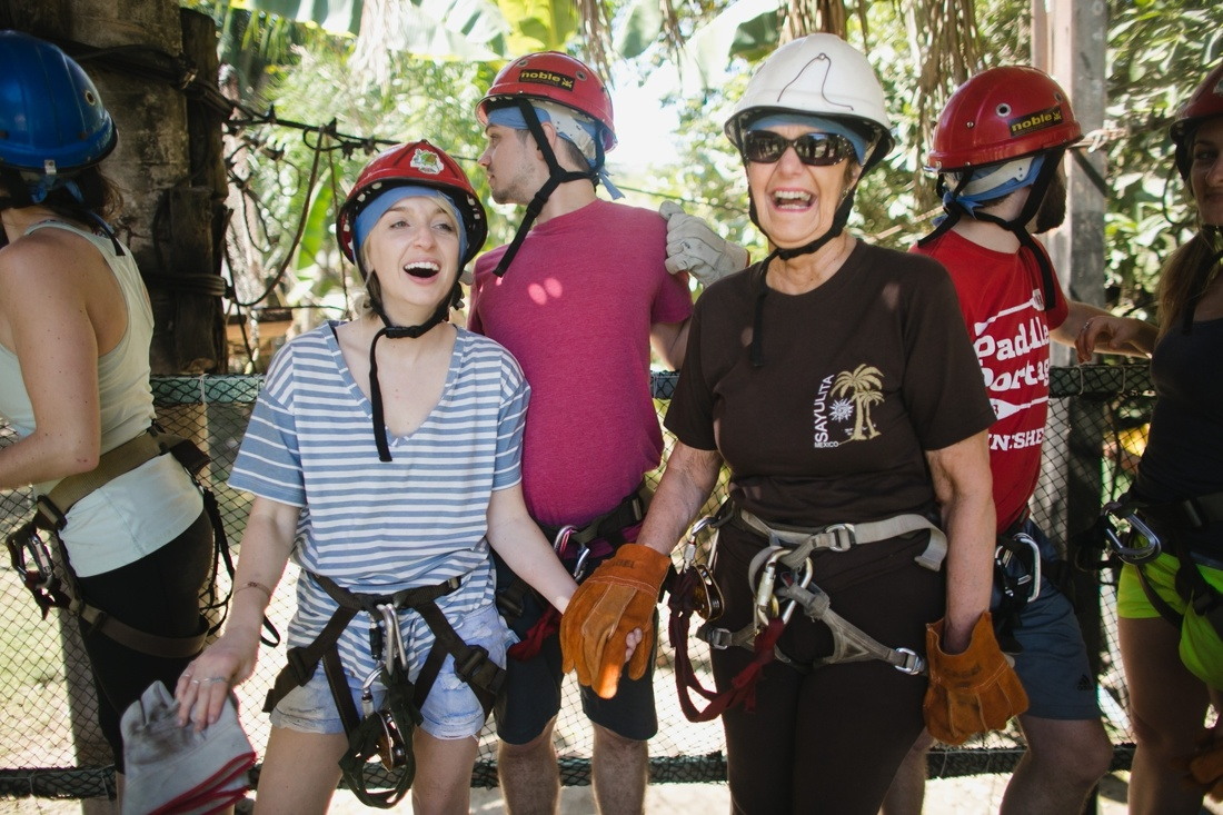 09_ziplining_sayulita_minneapolis_weddingPhotographers-1100x733.jpg