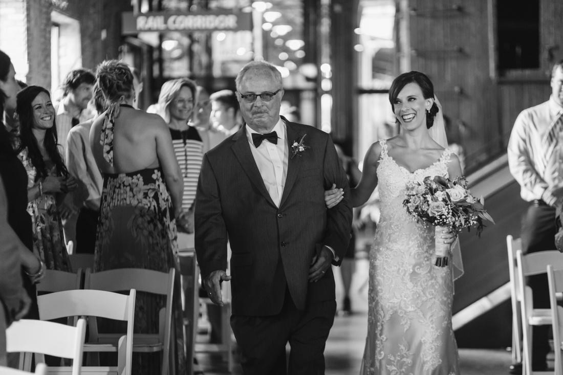13_Mill_city_Wedding_photographer-1100x733.jpg