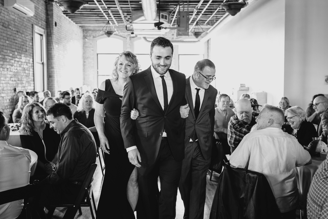 46_Minneapolis_DayBlock_Brewing_Wedding.jpg