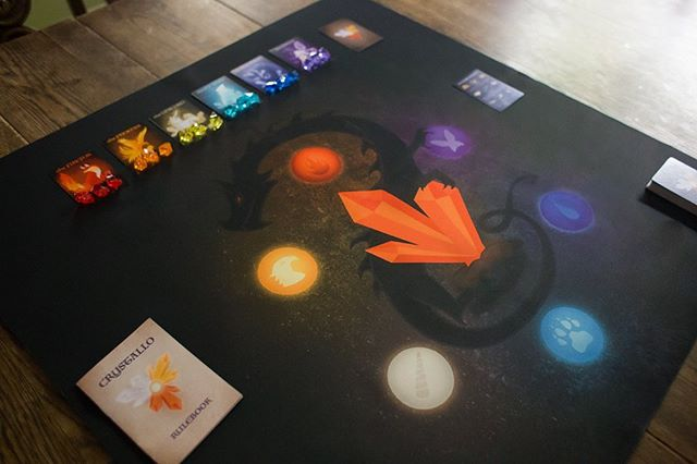 The Crystallo playmat is looking 🔥😍 So nice to play on and just adds so much to the whole mood! Sure is crazy to see something I dreamed up coming to life in such a big way.